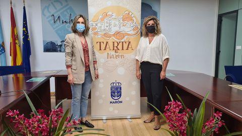 La edila de Turismo, Natalia Hermida, y la alcaldesa Ferreiro, ayer