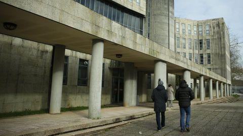 En una imagen de archivo, los juzgados de Santiago