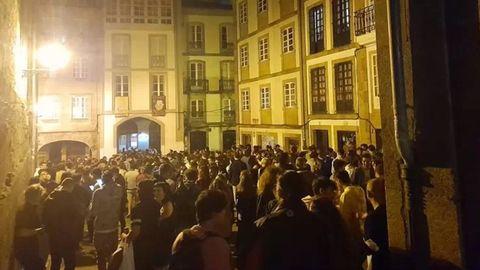 Los mayores problemas de la movida se registraron en la calle Curros Enríquez, pero también hubo incidentes en el Cantón de San Bieito