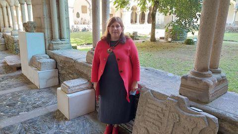 La investigadora Rebeca Blanca-Rotea en el claustro del Museo Provincial