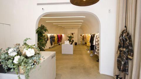 Detalle de la entrada de la nueva tienda de Maazi