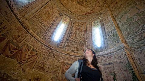 Foto de Google Arts de las pinturas murales de la iglesia de San Salvador de Vilar de Donas, en Palas de Rei.