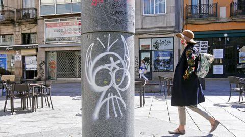GRAFFITIS. PLAZA DE CURROS ENRÍQUEZ