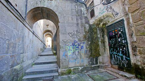 GRAFFITIS. ARCOS DE SAN BARTOLOMED