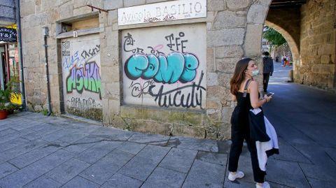 GRAFFITIS. PLAZA DA PEDREIRA