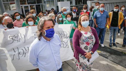 Protesta organizada por el ANPA del instituto nº1 de Ribeira