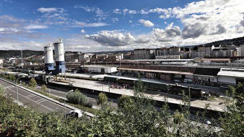 Zona de muelles de mercancías en la estación de Ourense
