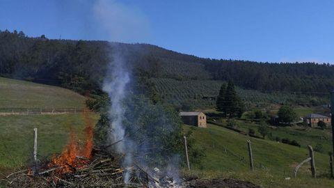Foto de archivo de una quema en Trabada