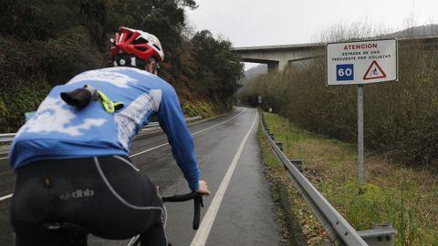 La OU-402 fue el primer itinerario señalizado para ciclistas en la provincia
