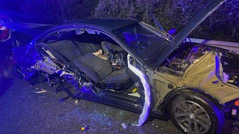 El automóvil en el que hubo que realizar la excarcelación sufrió graves daños materiales