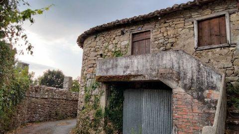 A librería física instalarase nesta antiga vivenda de Proendos, que aínda non foi acondicionada