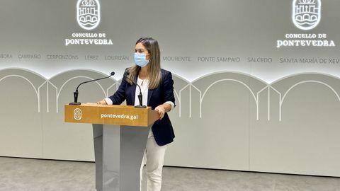 La concejala Pepa Pardo, este miércoles, se hizo eco de las reivindicaciones de la plantilla de los Bombeiros de Pontevedra