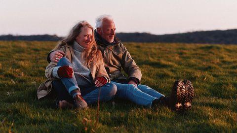 Raynor Winn junto a su esposo, en mitad de un viaje que les cambió la vida.