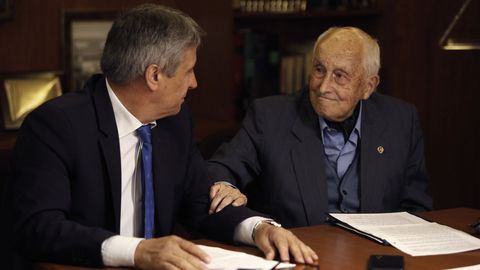 Manuel Varela, vicepresidente de la fundación, y Tomás Notario, exalcalde y presidente.