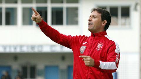 Chusky, entrenador del Viveiro, avisa del potencial del Barco, líder