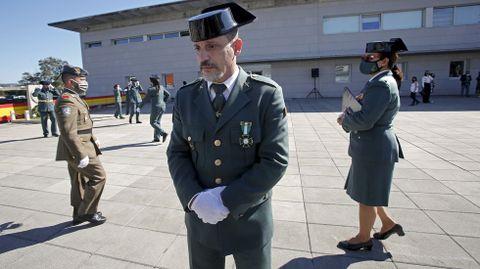 Ricardo Herrero, condecorado por haberle salvado la vida a un bebé en Cangas