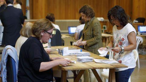 Recuento de voto emigrante en A Coruña