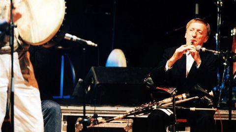 Paddy Moloney, líder de The Chieftains, en un concierto en Galicia en 1996.