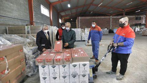 El subdelegado del Gobierno visita el almacén de alimentos del FEGA de Cruz Roja