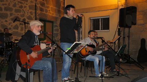 El grupo de música tradicional Os Parentes actuará en el festival As Cores do Outono.
