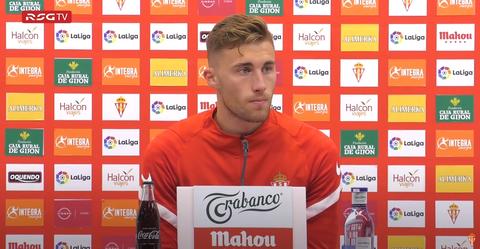 Bogdan en rueda de prensa