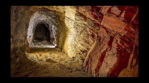 Una de las antiguas galerías de la mina de la que salía el hierro para Alemania