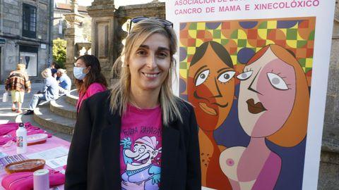 María Martínez, trabajadora social de la asociación Adicam, este miércoles, en la plaza de la Peregrina de Pontevedra