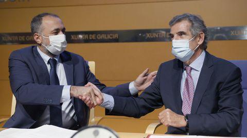 Firma del convenio para probar los fármacos en Galicia