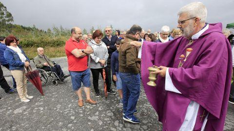 El cura Rodríguez Pastiño, en la segunda misa de protesta, que ofició en el mes de agosto del 2019