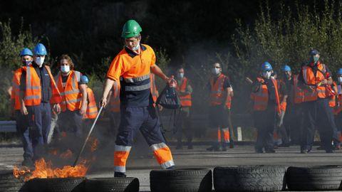 Protesta de los trabajadores de Vestas ante el anunciado cierre de la fábrica