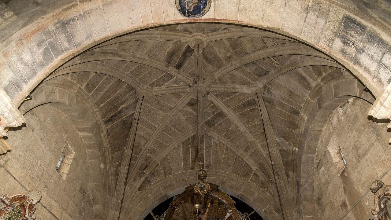 La cabecera del templo está cubierta por una bóveda de crucería