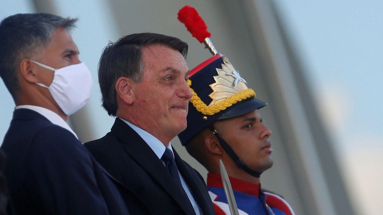 Bolsonaro amenaza con seguir el camino de Trump con la OMS