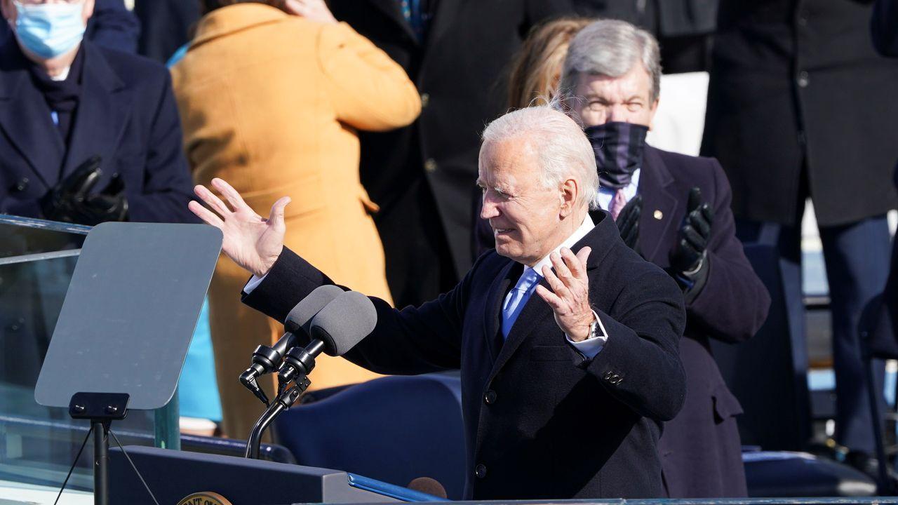 Jenniofer López interpretó una canción antes del juramento de Biden