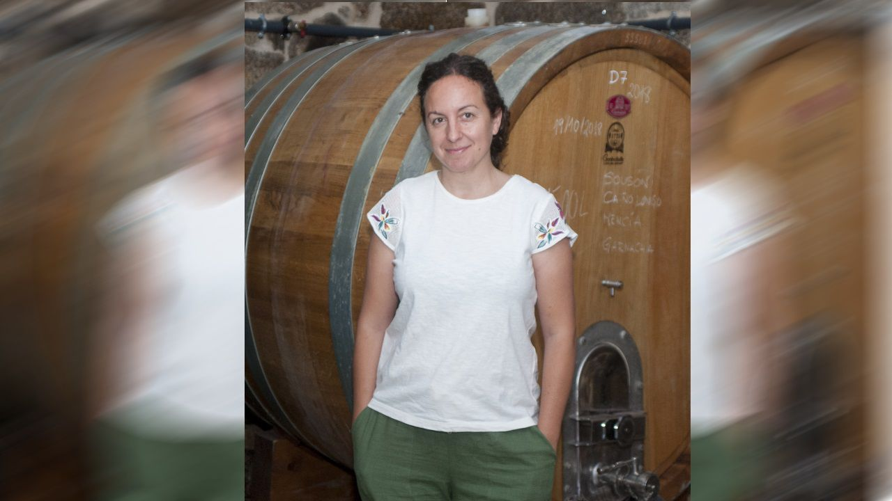 La enóloga  Iria Otero dejó la Farmacia por el mundo del vino y abrió su propia bodega