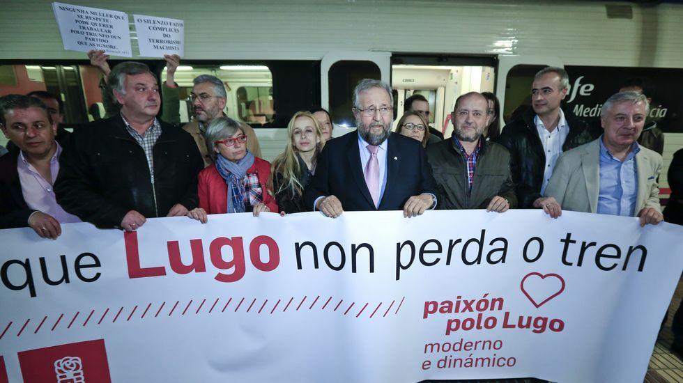 Orozco cambió la pegada de carteles por un acto reivindicativo en la estación de tren de Lugo