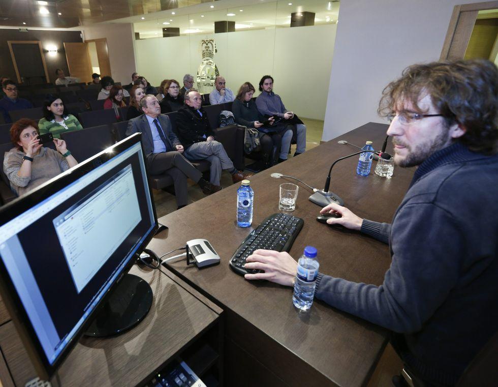 Xurxo Méndez presentó la aplicación Dosispedia.