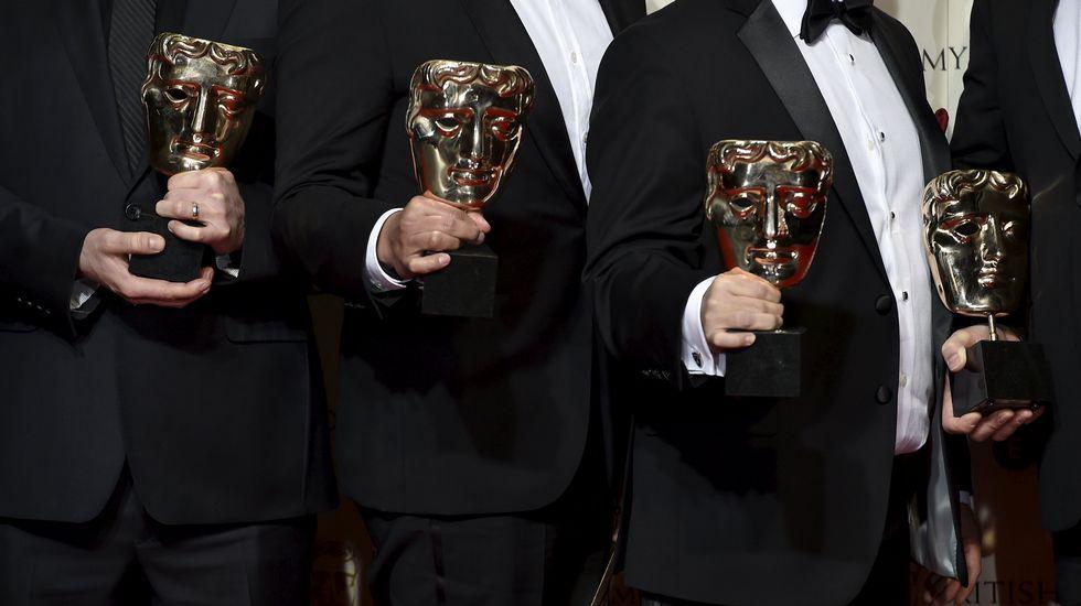 Los ingenieros de sonido de «El renacido», con sus premios.
