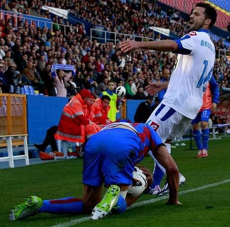 Buen ambiente y pruebas físicas en el entrenamiento del Dépor.Bruno Gama cerró la cuenta del Deportivo, ya en el tiempo añadido.