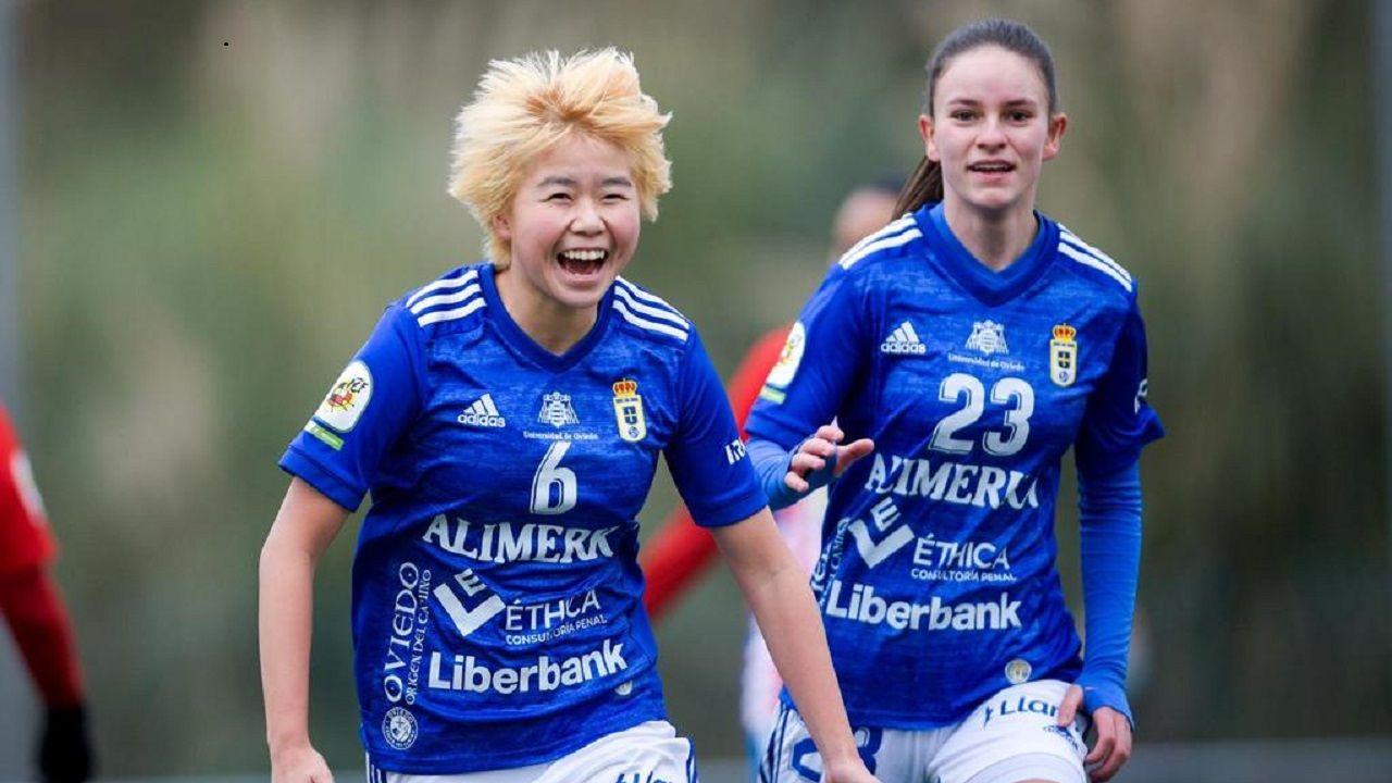 Yuki celebra el primer gol del Real Oviedo Femenino al Sporting