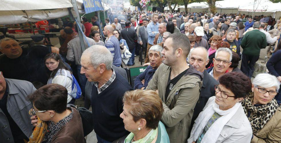 Durante el apagón de As San Lucas, con Mondoñedo abarrotado, empresarios y vecinos reclaman unos 40.000 euros a Begasa.