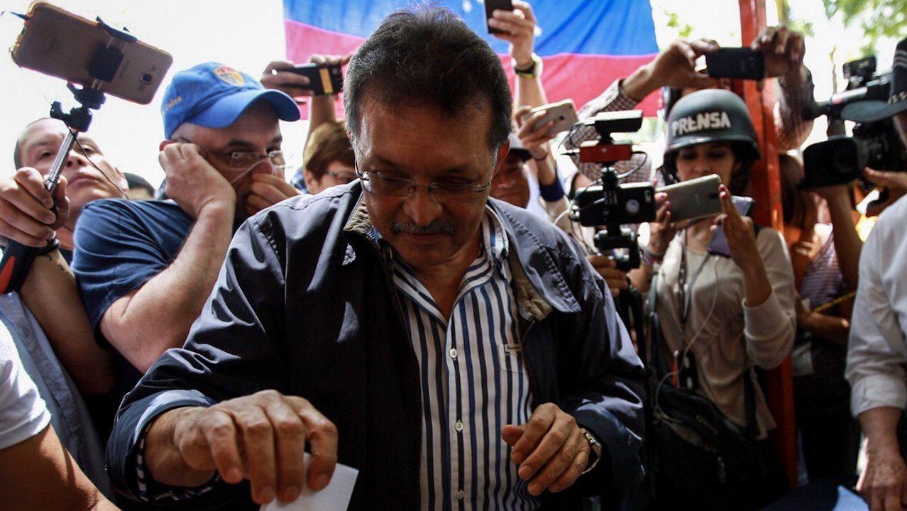 Germán Ferrer, votando en una consulta popular el mes pasado