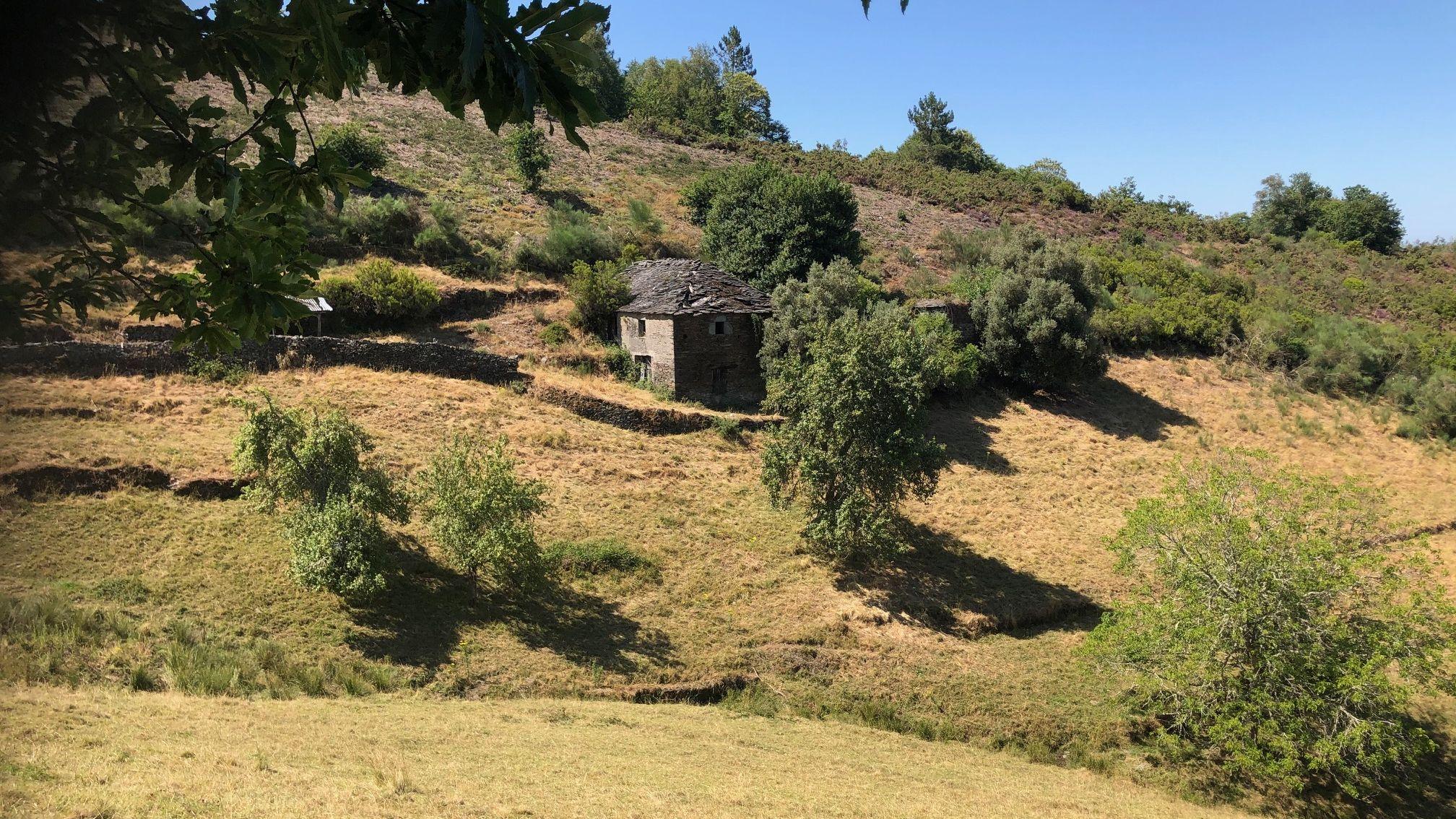15 hectáreas de finca conforman la aldea