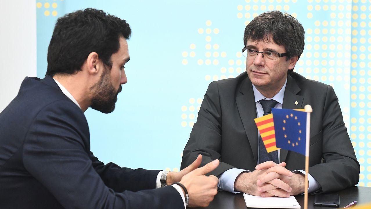 Reunión en el Parlamento catalán