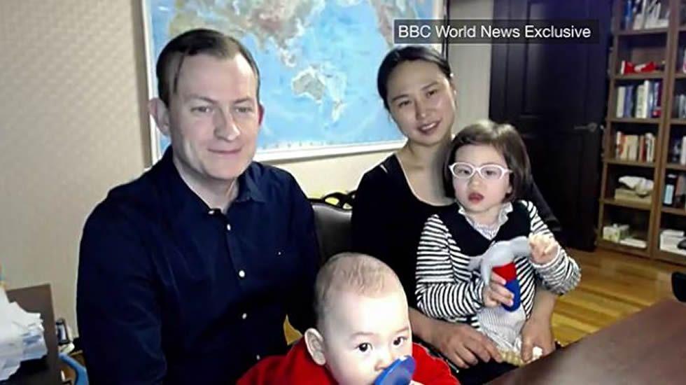 La familia de la BBC.El actor Ed Westwick