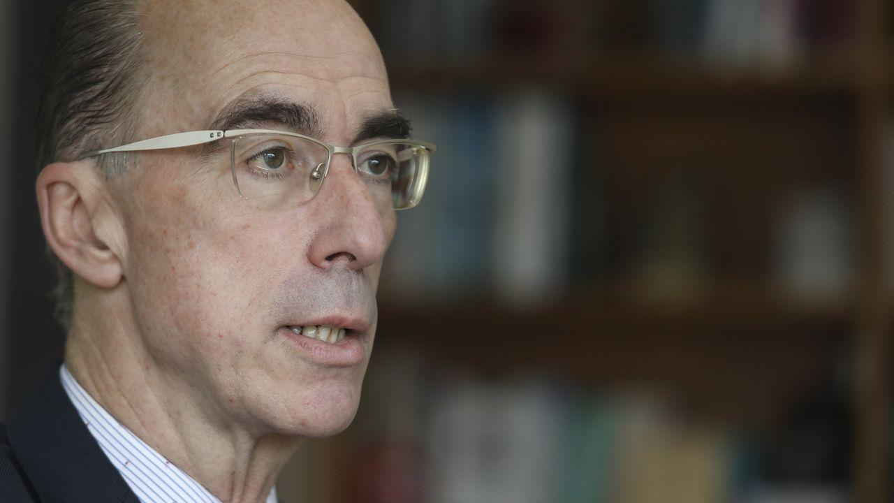 EN DIRECTO: primer positivo por coronavirus en Galicia. La consellería informa de todos los detalles.Estudiantes en el Cunqueiro