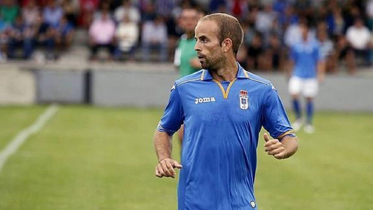 Sergio García en un partido con el Real Oviedo
