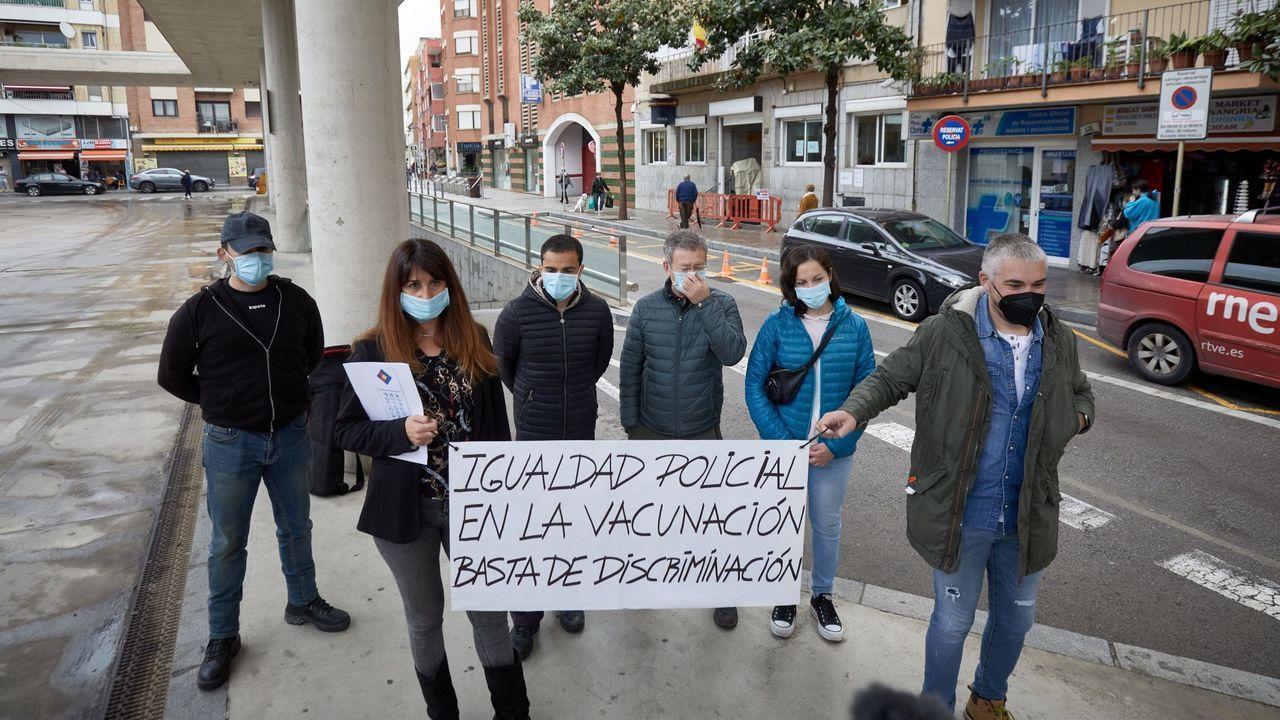 Tranquilidad en Asturias durante la primera noche sin el estado de alarma.Policía local de Oviedo