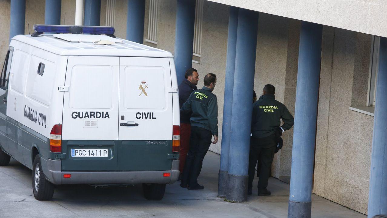 Llegada de Tania Varela para ser juzgada en la Audiencia de Pontevedra