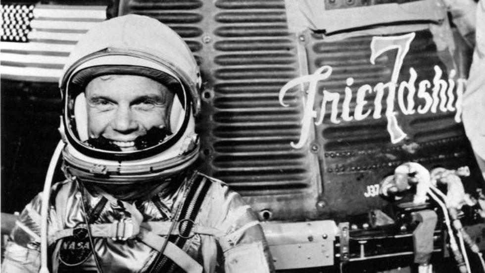 John Glenn, el americano que conquistó el Espacio.Imagen con el cartel de la próxima cita alemana sobre cambio climático