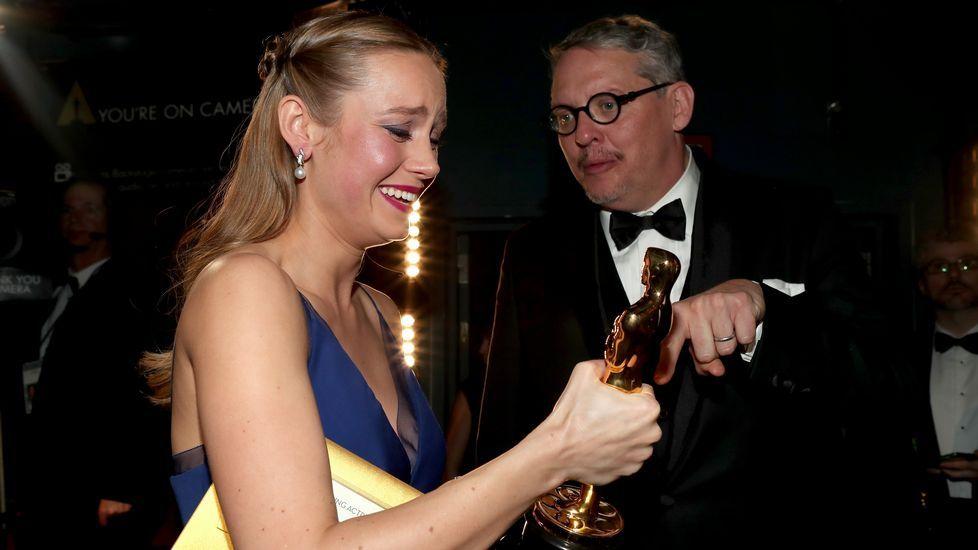 Brie Larson en el «backstage» de los Oscars.